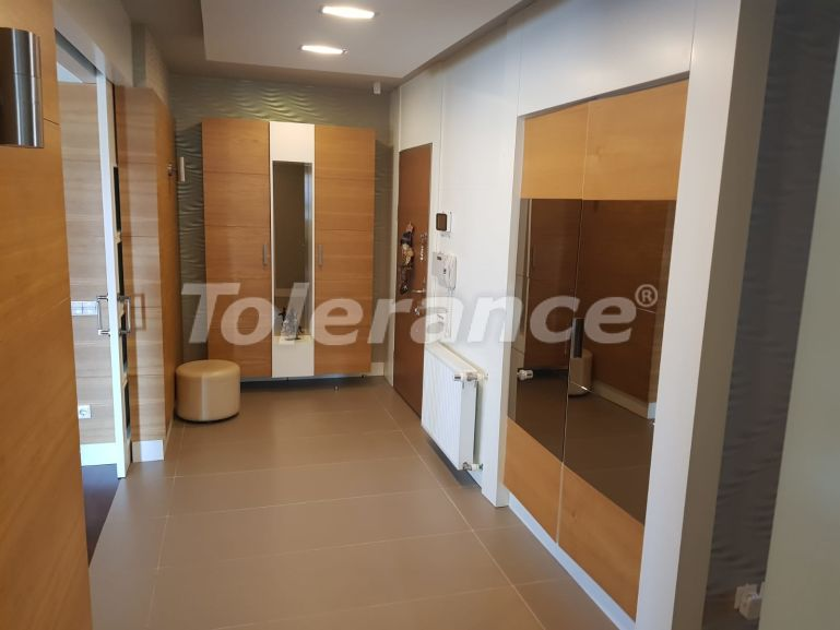Secondary spacious apartment in Uncali, Konyaalti with gas heating - 19976   Tolerance Homes