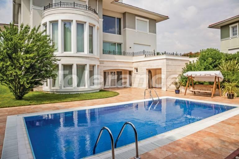 Luxury villas in Beylikduzu, Istanbul in complex with developed infrastructure near the sea - 20138   Tolerance Homes