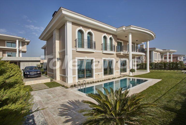 Modern villas in Beylikduzu, Istanbul in a big complex with the stunning Marmara sea view - 20327 | Tolerance Homes