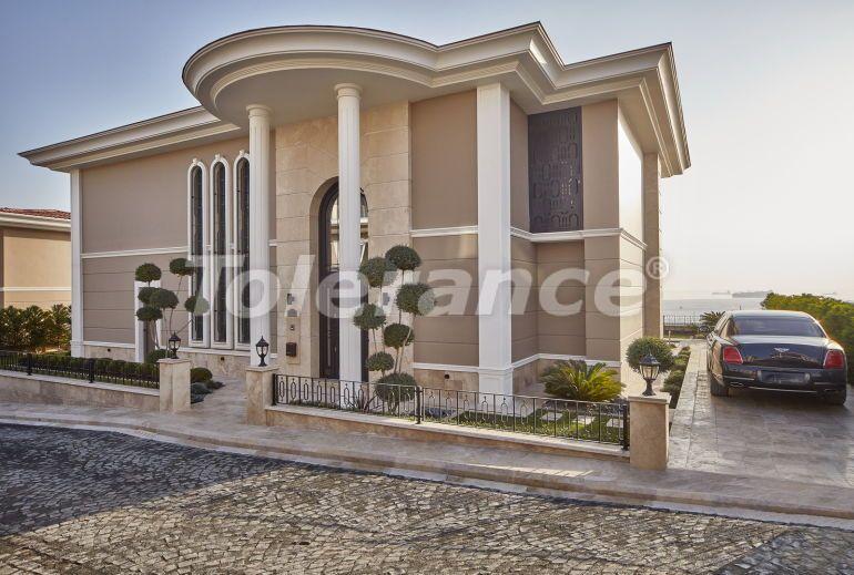 Modern villas in Beylikduzu, Istanbul in a big complex with the stunning Marmara sea view - 20328 | Tolerance Homes