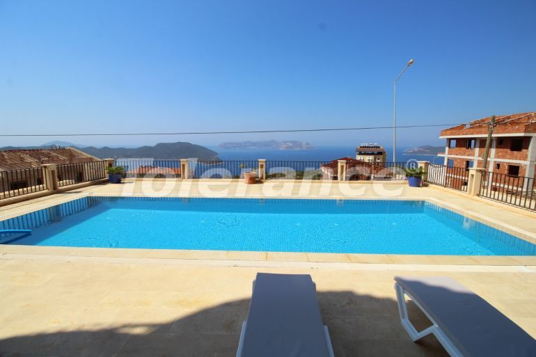 Resale apartment in Kas fully furnished in a complex with an outdoor pool and with the sea view - 22023 | Tolerance Homes
