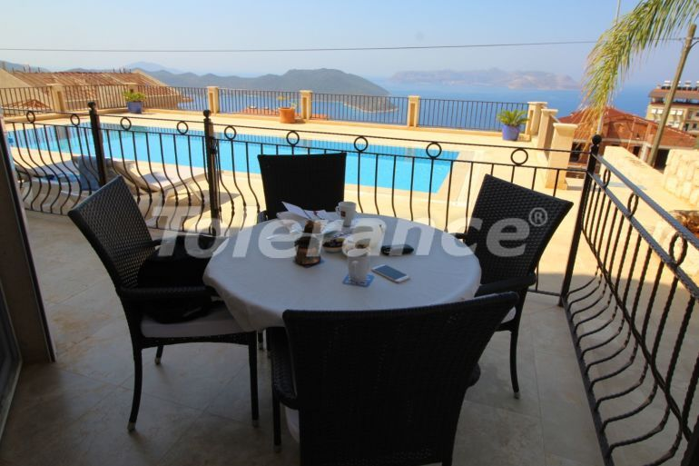Resale apartment in Kas fully furnished in a complex with an outdoor pool and with the sea view - 22048 | Tolerance Homes