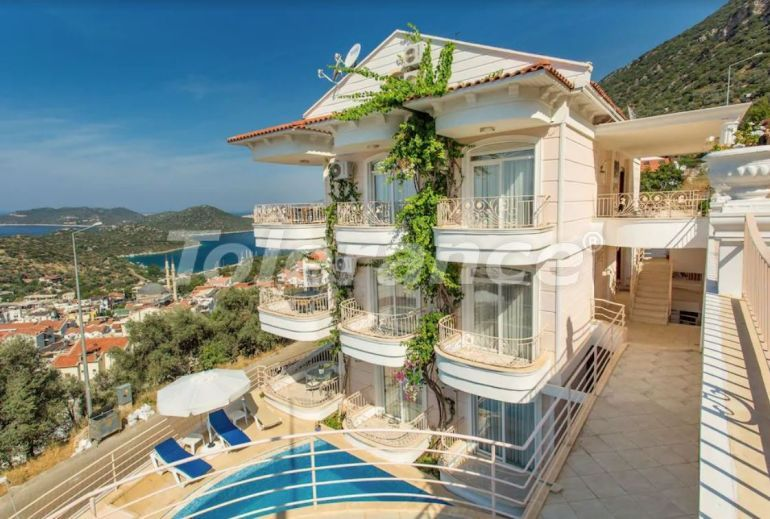 Apart hotel in the center of Kas with outdoor pool and direct sea view - 22206   Tolerance Homes
