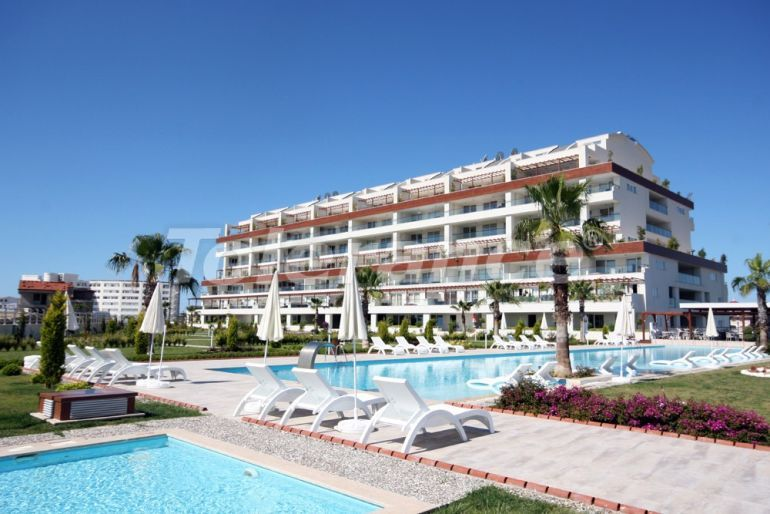 Resale apartment in Side in a complex with an indoor pool just 700 meters from the sea - 23266   Tolerance Homes