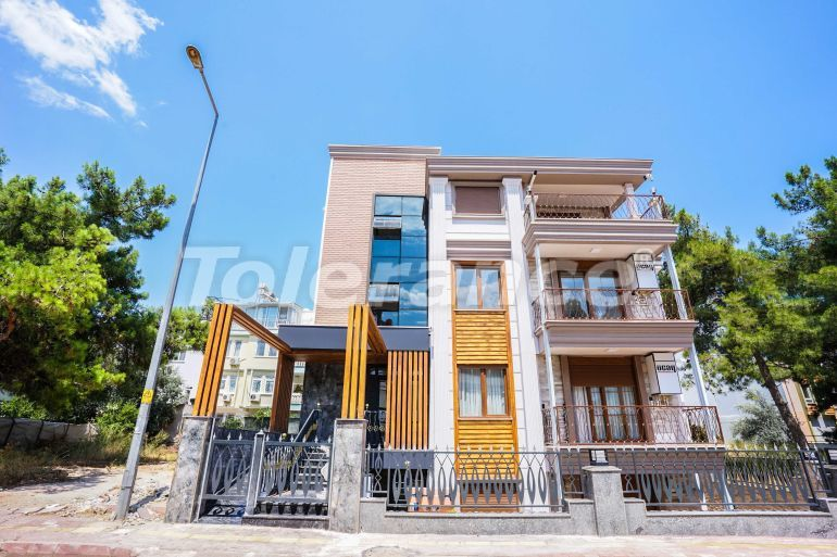 Luxury apartments in a renovated house in the prestigious Altinkum area, Konyaalti near the beach - 41494   Tolerance Homes