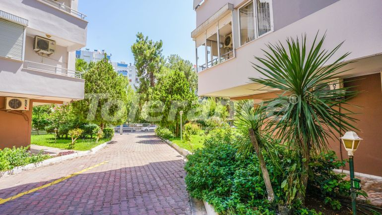Spacious resale apartment in Gursu, Konyaaltı near the sea - 42015   Tolerance Homes