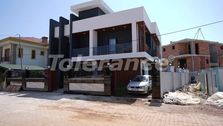 Detached villa in Döşemealtı, Antalya with private swimming pool, and heated floors from the developer - 43273   Tolerance Homes