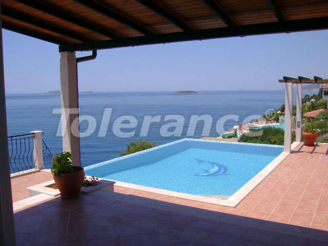 Villa with 3 bedrooms in Kas on the beachfront overlooking